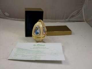 Mr Christmas Music Box Egg Ornament Gift Angels Cherubs