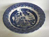 ROYAL WESSEX BLUE WILLOW LARGE SERVING BOWL 9 1/2 **