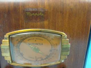 Antique Tube Radio Motorola Model 5T 1 Art Deco AM/SW Wood Case Gold