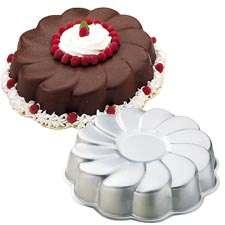 WILTON VIENNESE SWIRL FLOWER CAKE PAN MOLD 2105 8252