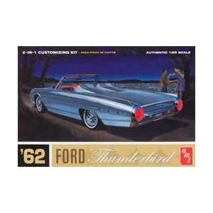 AMT682 AMT 1/25 62 Ford Thunderbird 2 In 1 Plastic Model