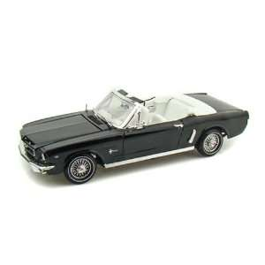1964 1/2 Ford Mustang Convertible 1/18 Black Toys & Games