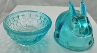 VINTAGE L.E. SMITH GREEN GLASS BUNNY BASKET TRINKET BOX