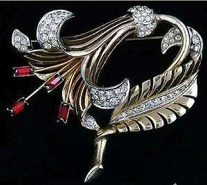 Vintage 1950 Boucher Signed Rhinestone Gold Tone Gilded Lily Brooch