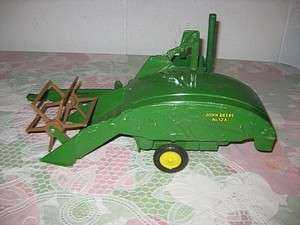 VINTAGE JOHN DEERE 12A COMBINE ERTL ALL METAL PLASTIC ROLL FARM TOY