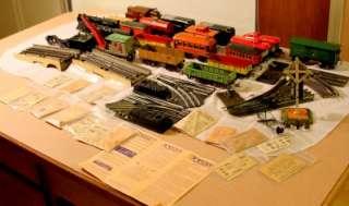 Vintage Model Train 25+ Pieces, Ives, Lionel, Rare Derrick Crane, 2