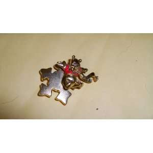 Disney Gold Pooh Snowflake Brooch Pin NEW Everything