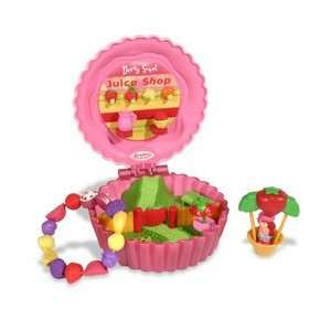Strawberry Shortcake Berry and Bead Compact Playset   Juice Shop