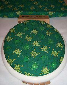 FROGS green toilet seat and tank lid cover set